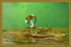 gouttes d'eau. dans gouttes d'eau...rosée. to_goutte-d-eau-201201071